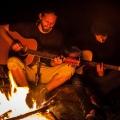 Kujóni - konečně u ohně